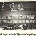038_1959_Zlotoryja_napis na tablicy