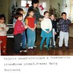 083_1997_Maria Mostowska prowadzi zajecia w przedszkolu